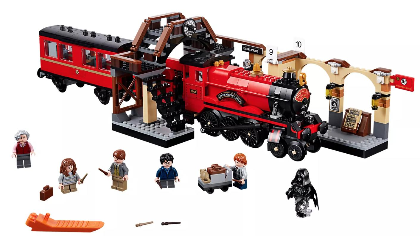 The Hogwarts Express and minifigures