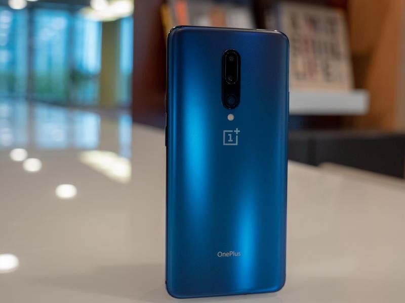 OnePlus 7 Pro vs  iPhone XR: Which one should you buy