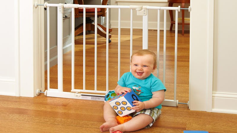 North States Easy Step Baby Gate