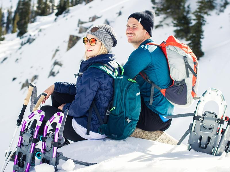 couple-with-snowshoes