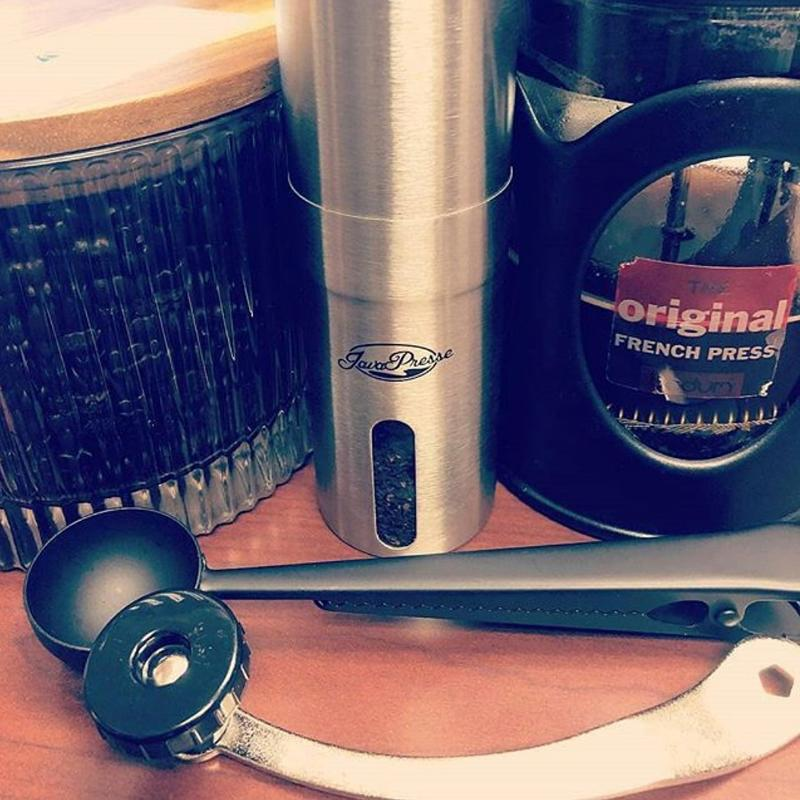 Javapresse-best-manual-coffee-grinders-lifestyle-javapresse