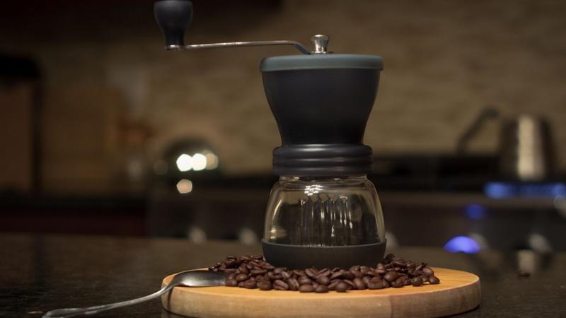 Harioskerton Best Manual Coffee Grinders Lifestyle Theroasterspack