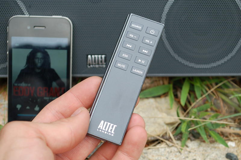 Altec-Lansing-inMotion-Air-Remote