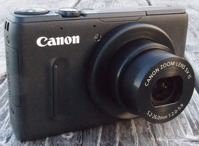 Canon-PowerShot-S100-Front