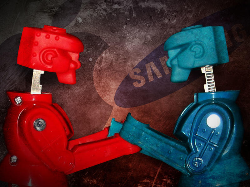 Apple vs Samsung - Rock em Sock em Robots