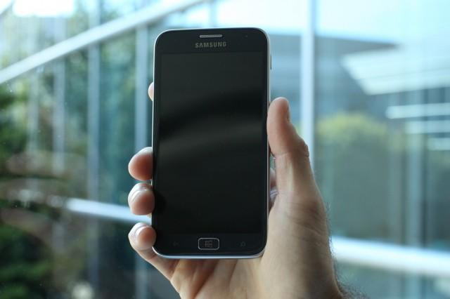 samsung-ativ-s-in-hand