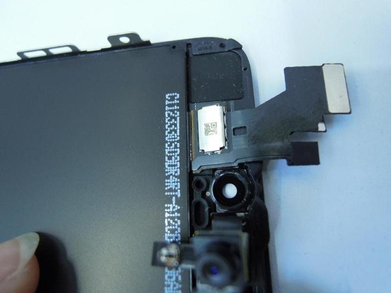 iPhone 5 front panel - 09-06-12 - 4