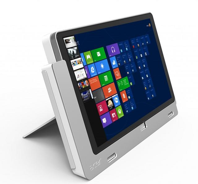 Acer Iconia W700 in dock