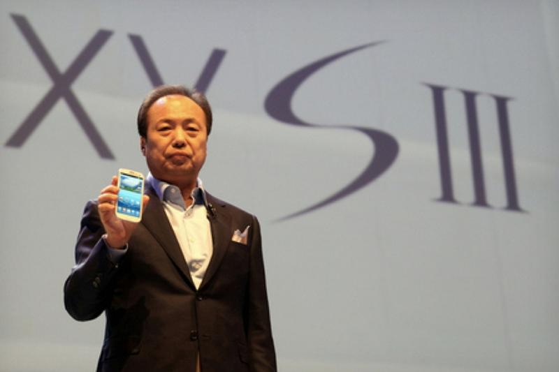 Samsung's JK Shin with Galaxy S III