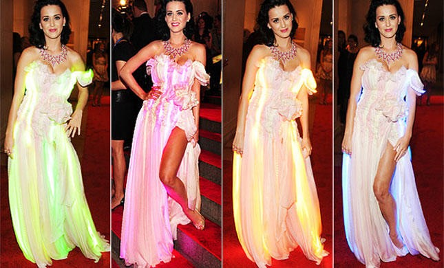 Katy-Perry-Color-change-dress
