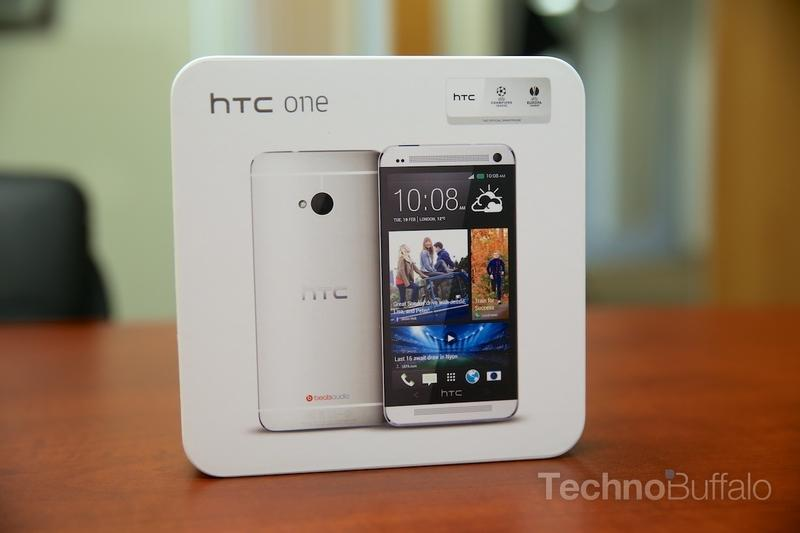 HTC One Review - The Box