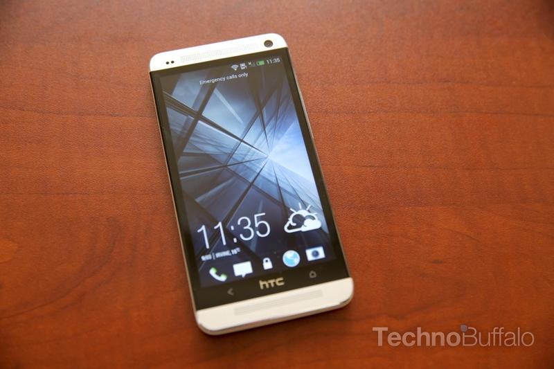 htc-one-unboxing-013