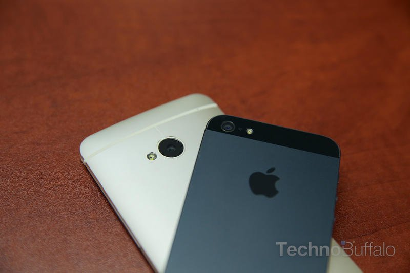 HTC One VS Apple iPhone 5-Rear-Camera