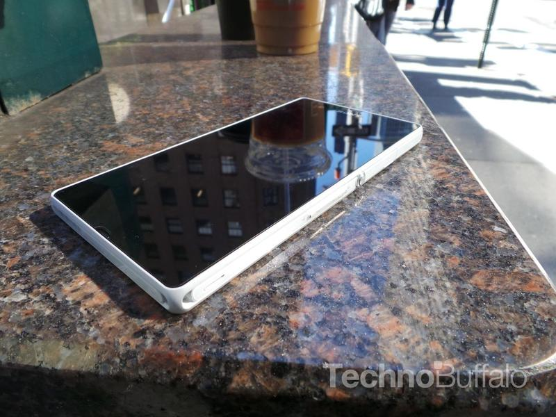 Sony Xperia Z Review - Side Shot
