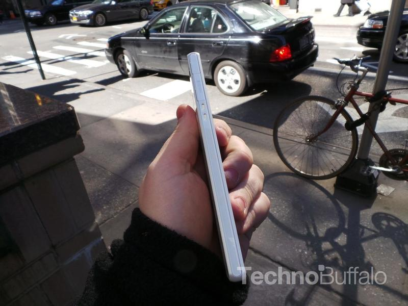 Sony Xperia Z Review - Hardware (Side of Phone)