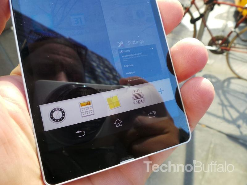 Sony Xperia Z Review - Software - Close Up