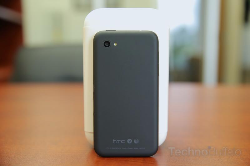 HTC First Review-Back