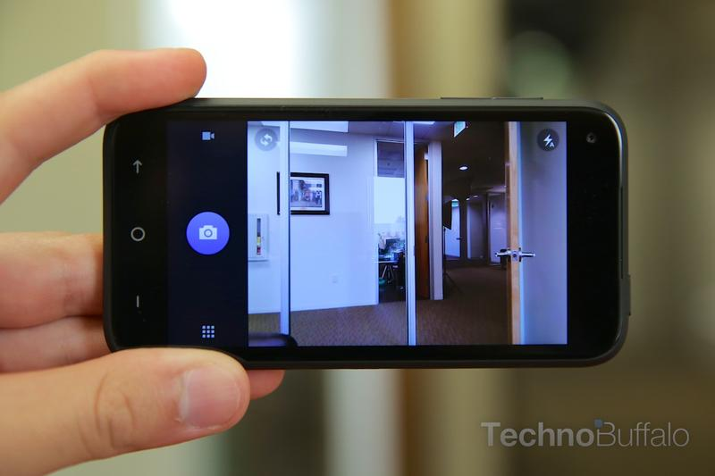HTC First Review-Camera