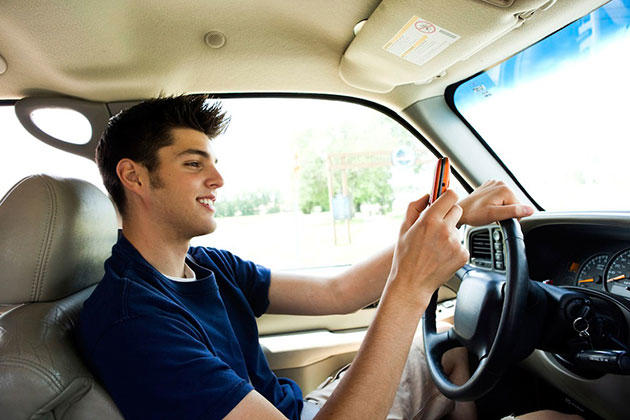NJ-Distracted_Driving_Texting_and_driving1