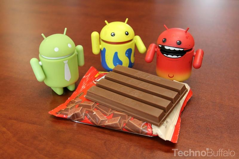 Android KitKat - Yellow, Red and Green Mascots, KitKat Bar Open