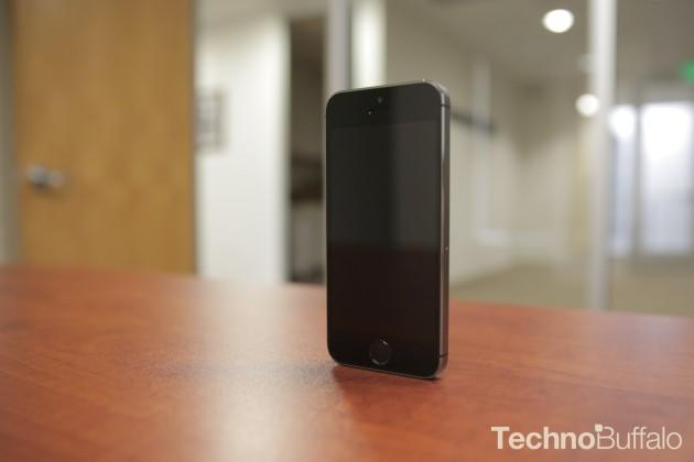 Apple iPhone 5s-Front