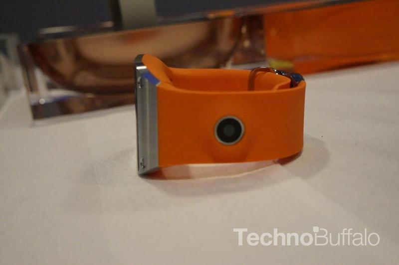 Samsung Galaxy Gear - IFA 2013 - 08