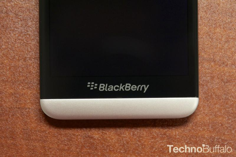 BlackBerry Z30-Front-Logo