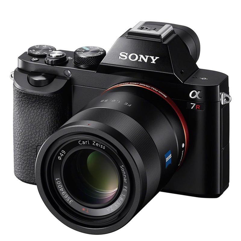 GG2013 - Sony A7 Camera - Product - Hero