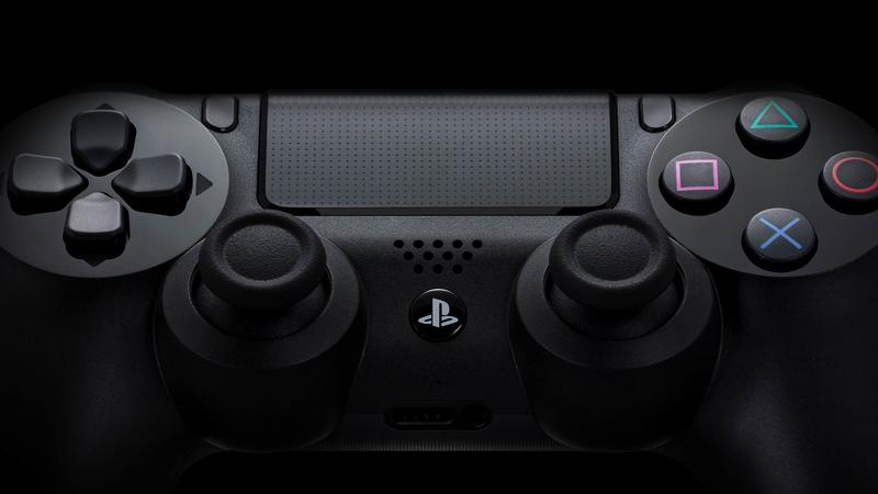 Playstation 4 Review - Controller - Hero