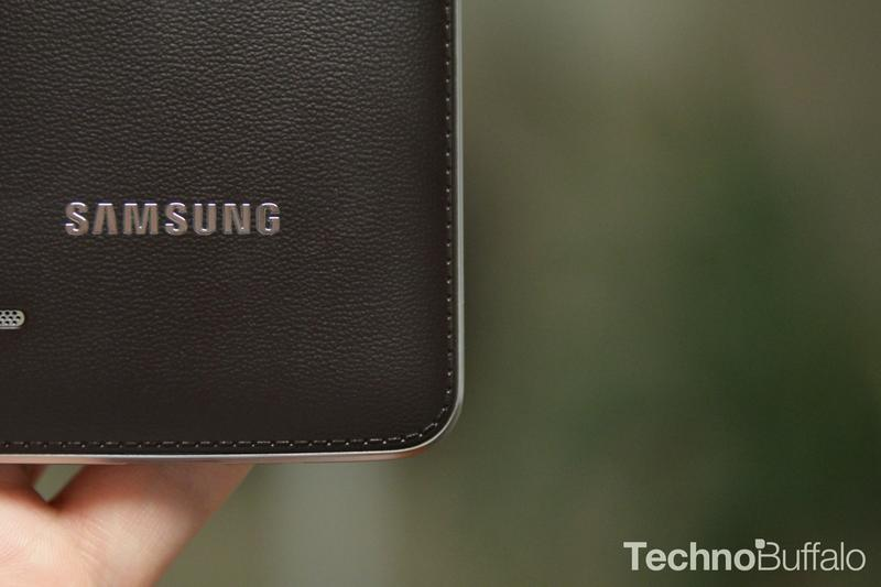 Samsung Galaxy Round-Back Detail