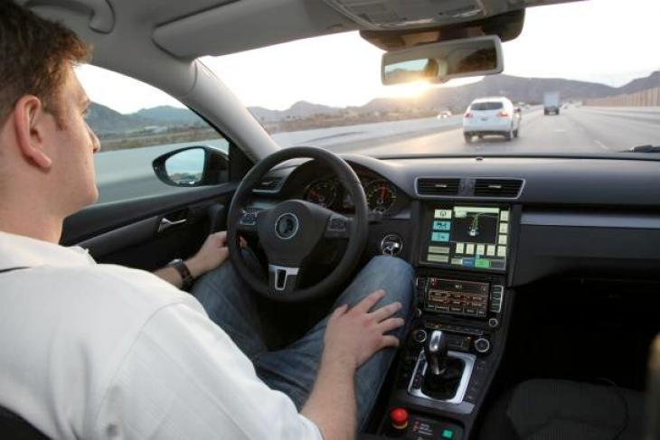 gesture-control-cars-being-pushed