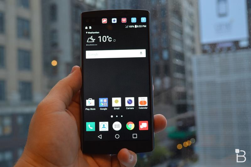 LG V10 hands-on: Two displays and a steel design, more premium than