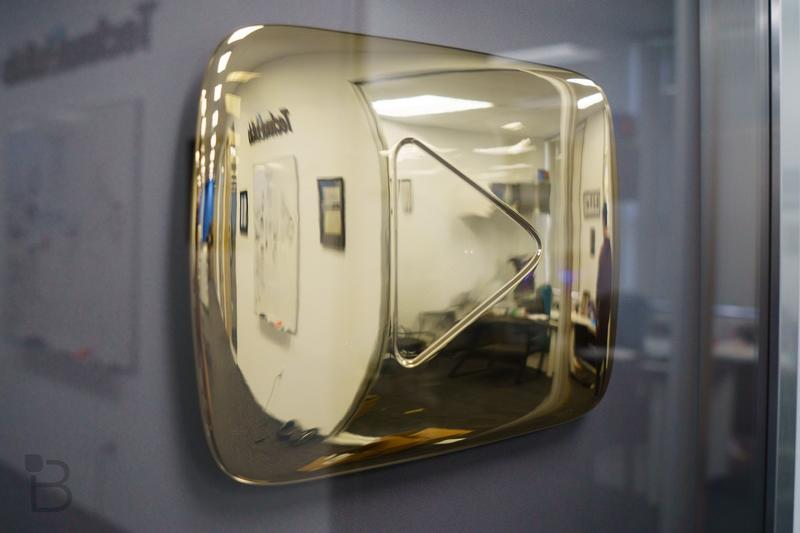 YouTube Gold Play Button-4