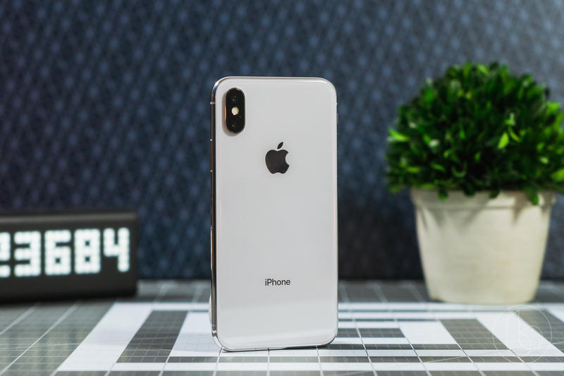iPhone X review: Apple's future is very bright | TechnoBuffalo
