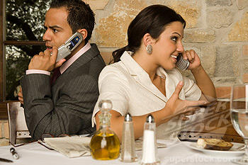 Restaurant-Cell-Phones