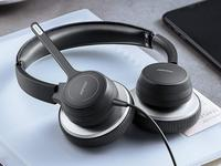 Stay connected with these awesome headphones with a microphone
