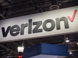 Verizon begins rolling out its 5G network in Chicago and Minneapolis