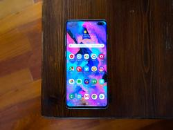 Whitestone Dome is the Galaxy S10+ screen protector you want
