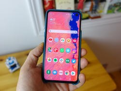 B&H has the Galaxy S10e for $100 off and includes 3 months of Mint Mobile