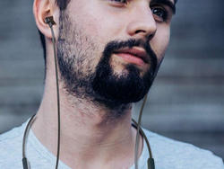 These $18 Dudios Zeus Leisure Bluetooth Earbuds are perfect for the gym