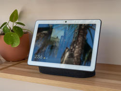 The Nest Hub Max is the perfect all-in-one smart home device and I want one