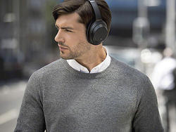 Sony's excellent XM3 noise-cancelling headphones have dropped to $298