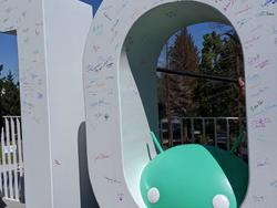 This year's Android statue is signed by the dev team