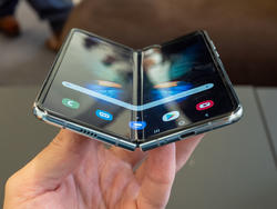 Samsung cancels all Galaxy Fold pre-orders, offers $250 store credit