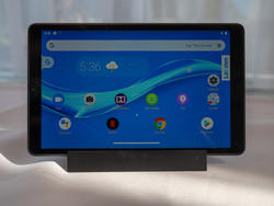 Lenovo's latest tablets double as Google Assistant-powered smart displays