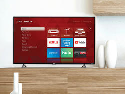 Nab the lowest price yet on this TCL 32-inch 720p Roku Smart LED TV