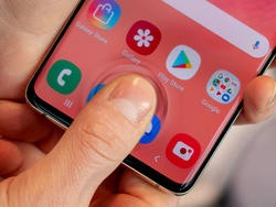3 Things iPhone 11 Should STEAL from Galaxy S10