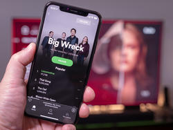 Spotify is reportedly talking to Apple about adding Siri integration