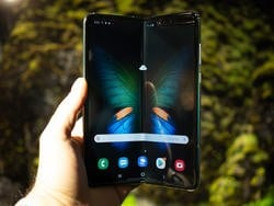 I went hands on with Samsung's foldable phone, and I love it!