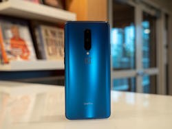 The OnePlus 7 Pro in Nebula Blue is drop dead gorgeous